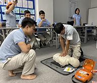 Đào tạo hồi sức tim phổi và hướng dẫn sử dụng AED miễn phí